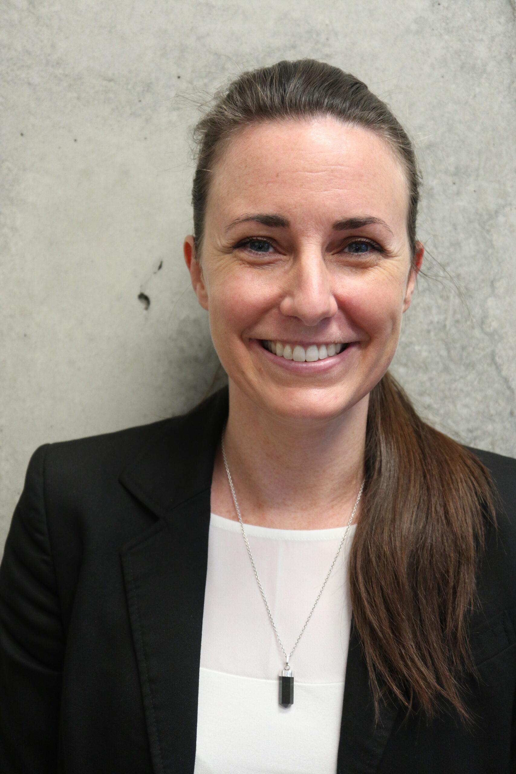 Julie Bisson, Secrétaire | Soie Clinique dentaire Montréal