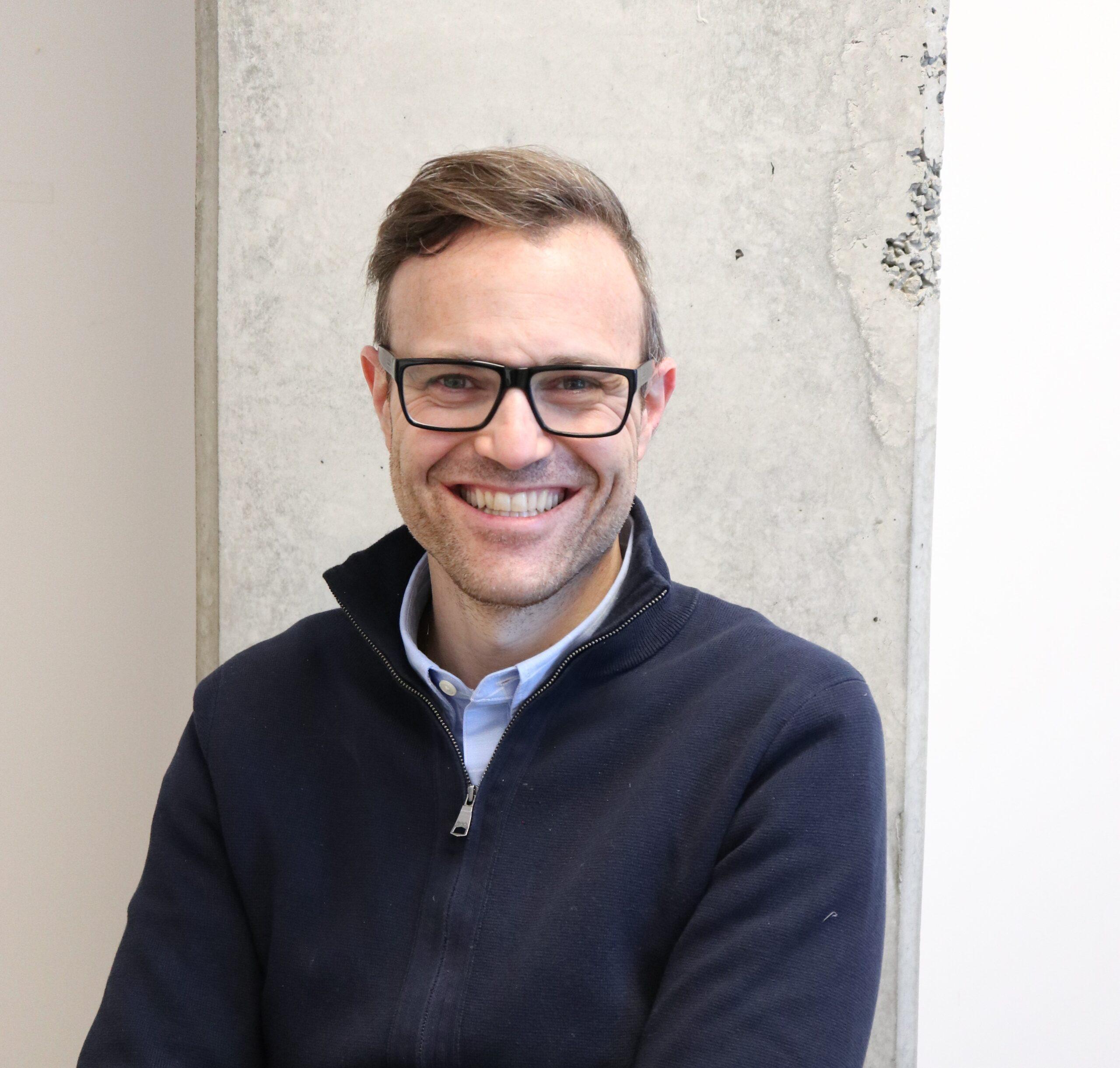 Jean-Daniel Azuelos, Dentiste | Soie Clinique dentaire Montréal